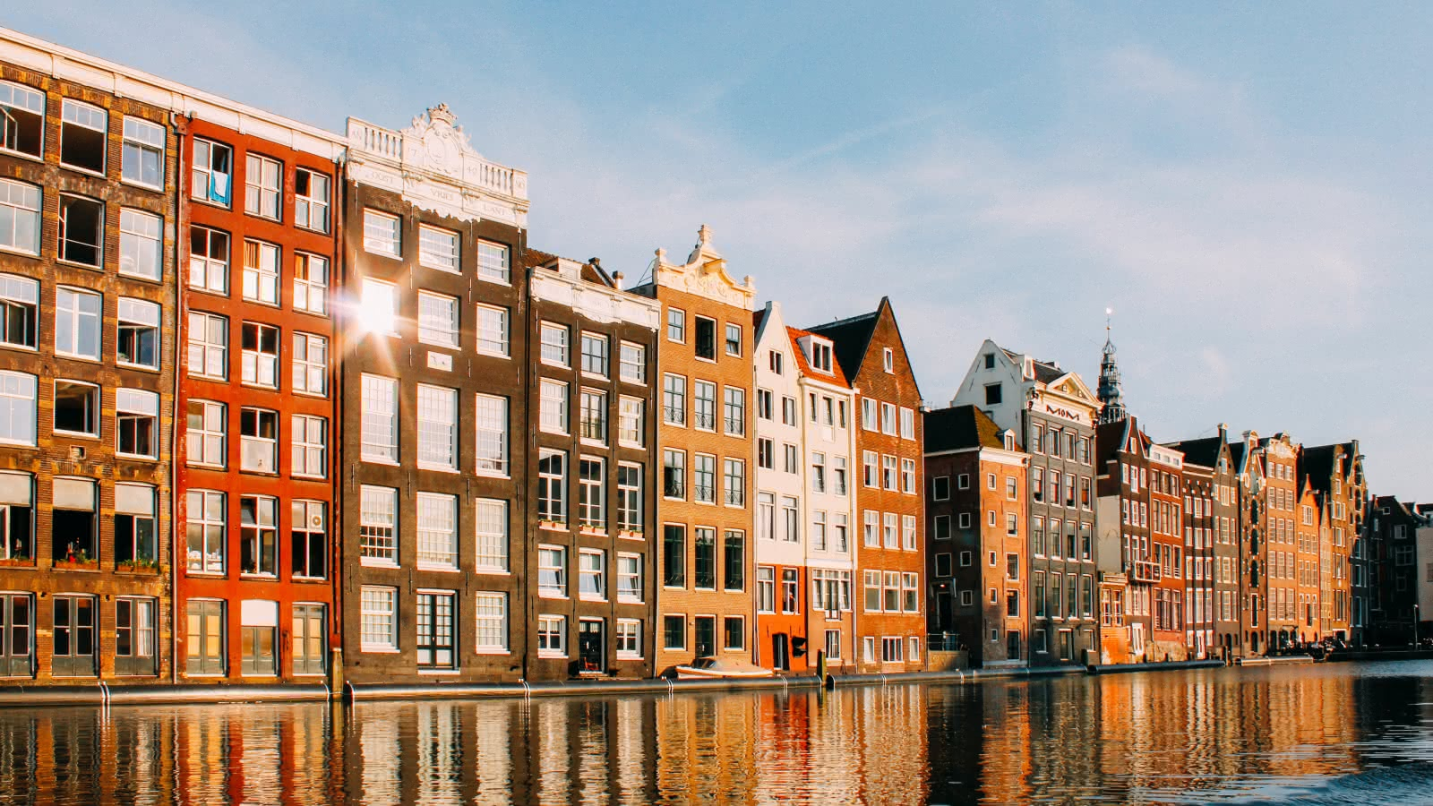 amsterdam's famous canals and bridges during the amsterdam free walking tour