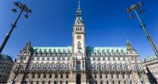 punto de encuentro del tour gratis de hamburgo delante del ayuntamiento