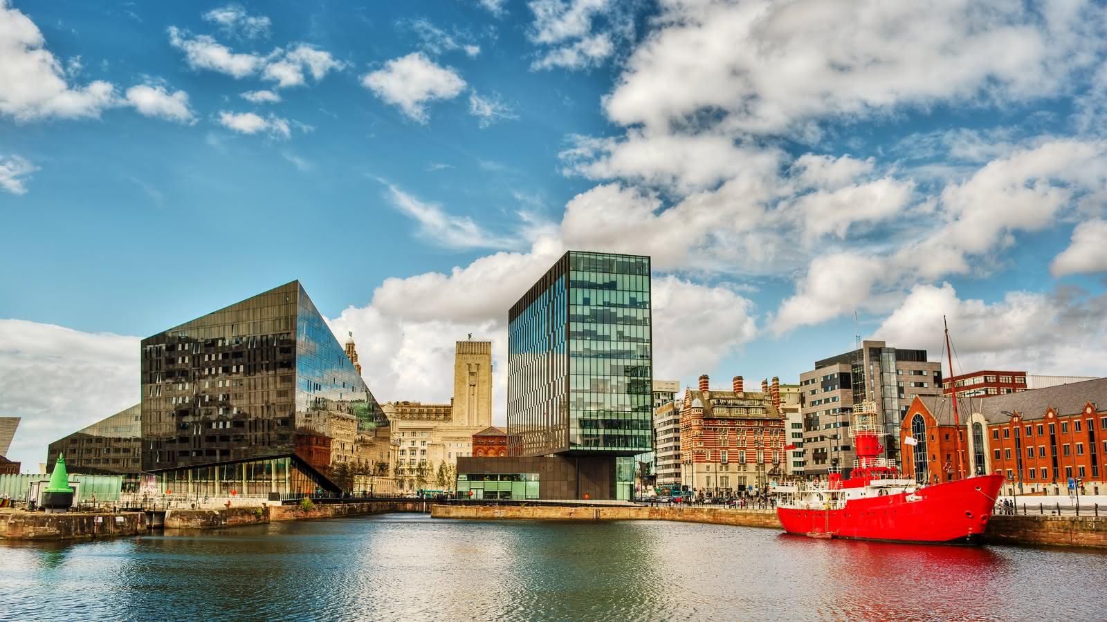 Vistas a Liverpool desde el agua