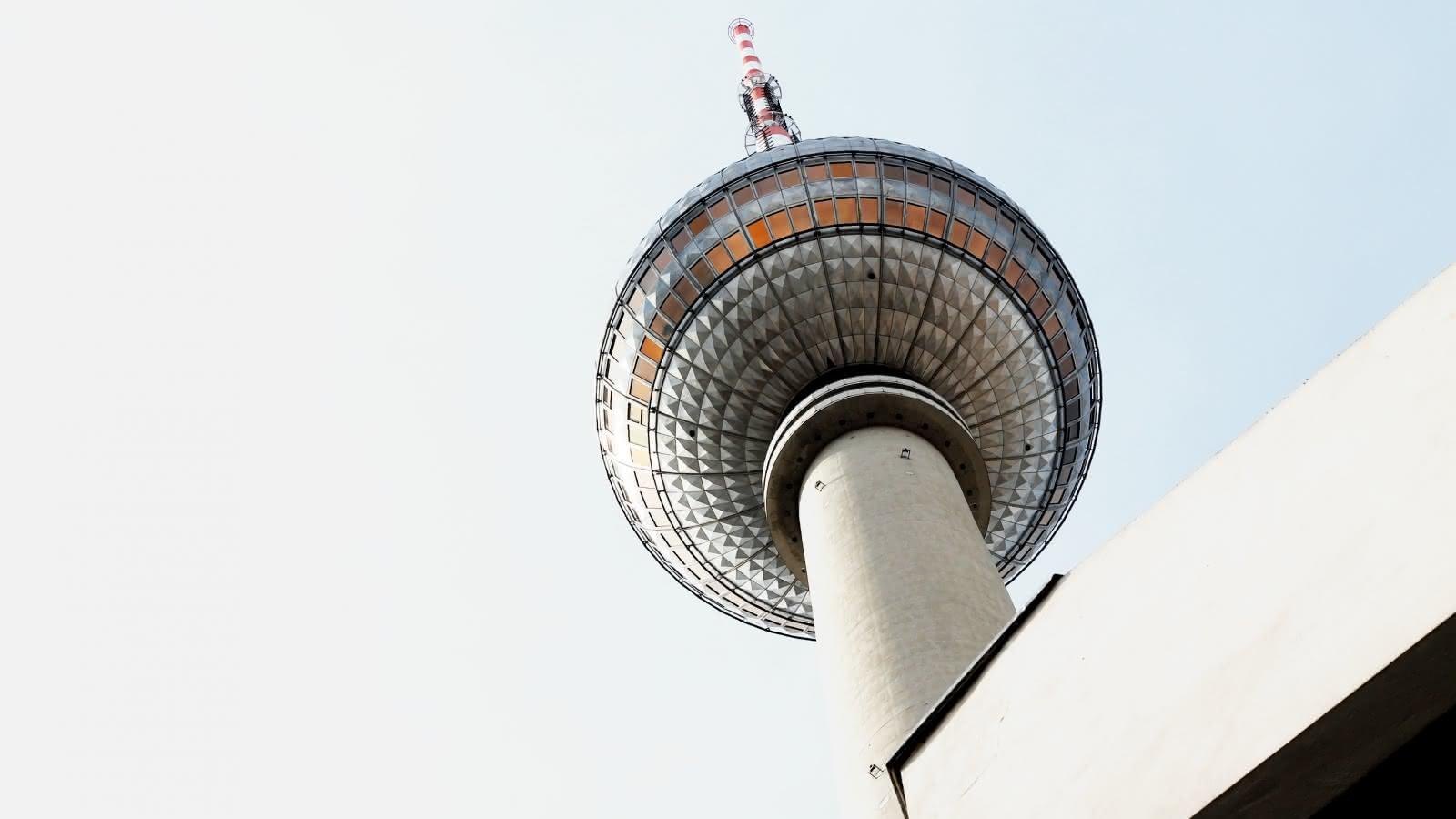 sandemans berlin walking tours