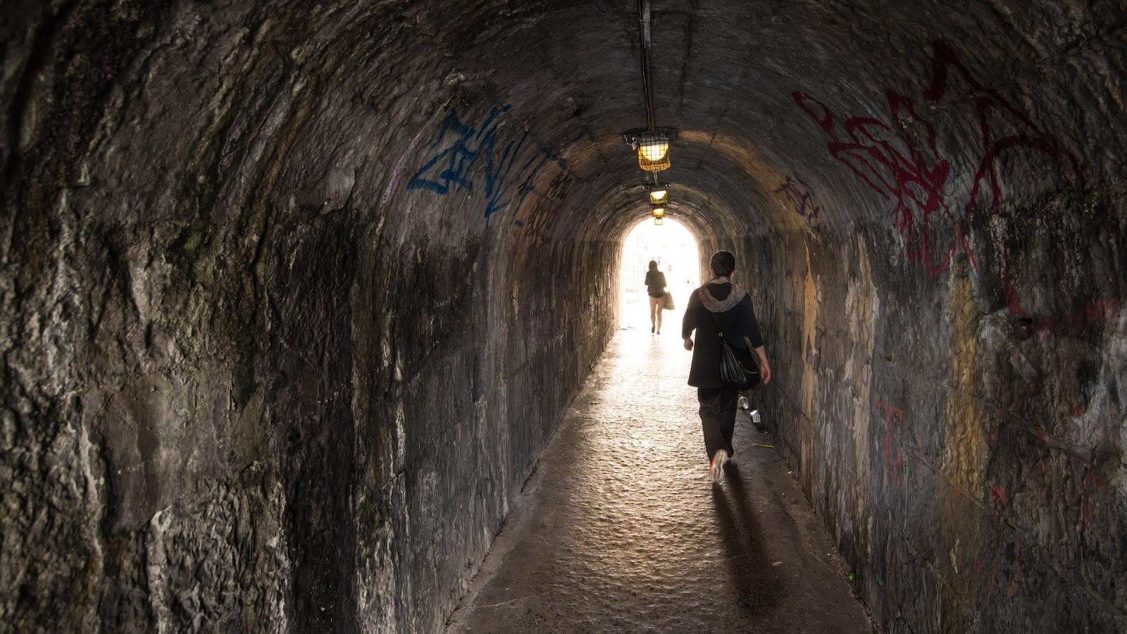 dublin alley dark side