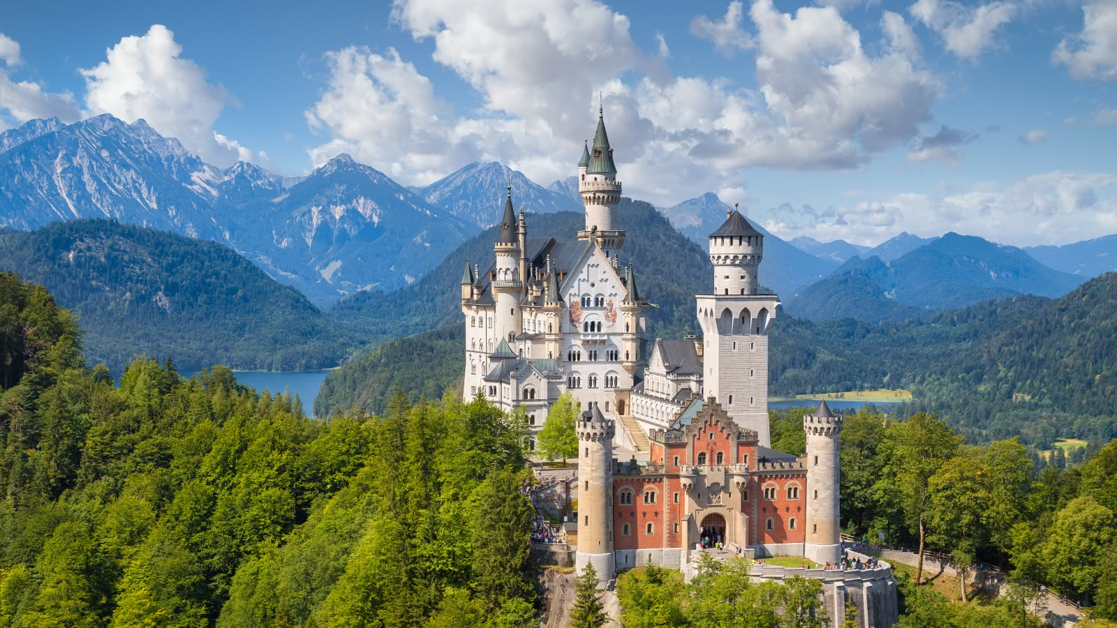 """Palacio europeo de Luis II de Bavaria, el """"Neuschwainsten""""."""