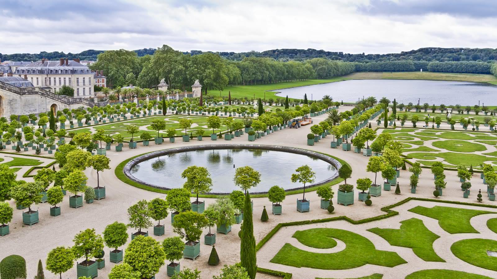 versailles gardens tour from paris