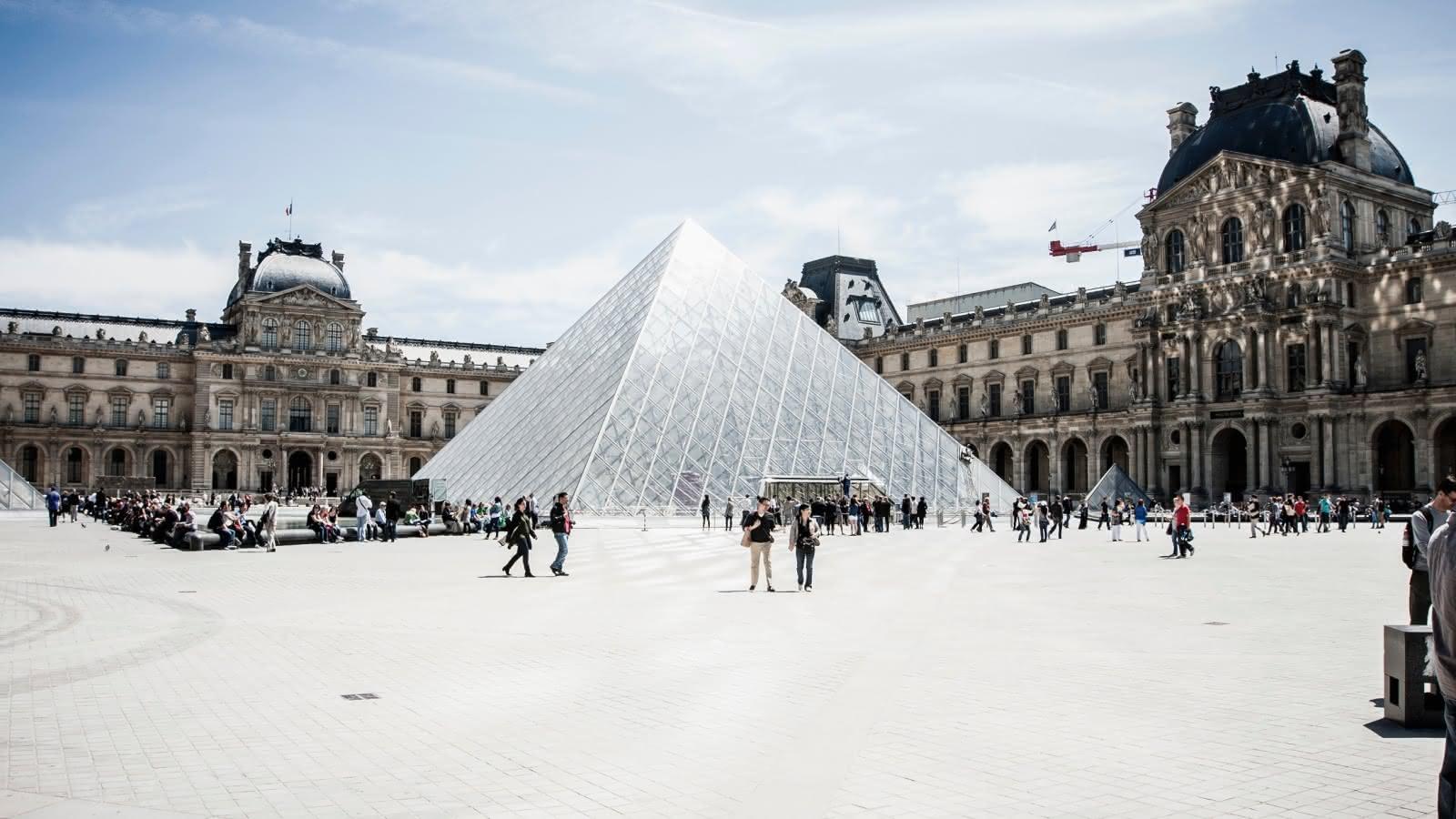 sandemans paris walking tours