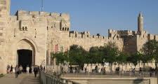 free tour start point at jaffa gate in jerusalem