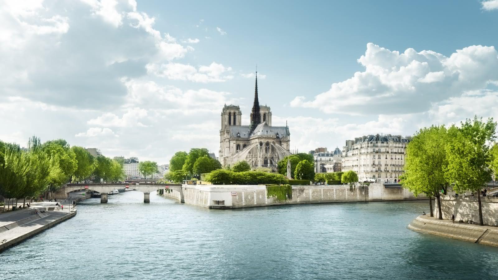 paris free tour