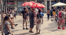 sandemans barcelona free tour meeting point outside jaume i metro exit